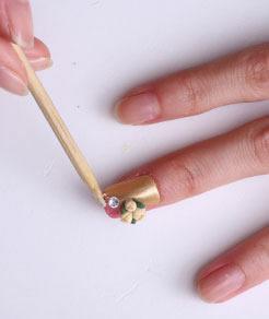 指尖的时尚炫彩美甲DIY