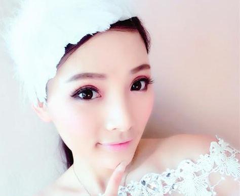 樱花粉色大眼新娘妆教程 让你做最精致的新娘