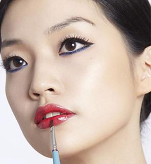古典与潮流!彩妆培训学校之复古妆容、冬季减龄妆教程